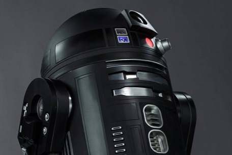rogue-one-features-a-black-sexy-R2-like-droid
